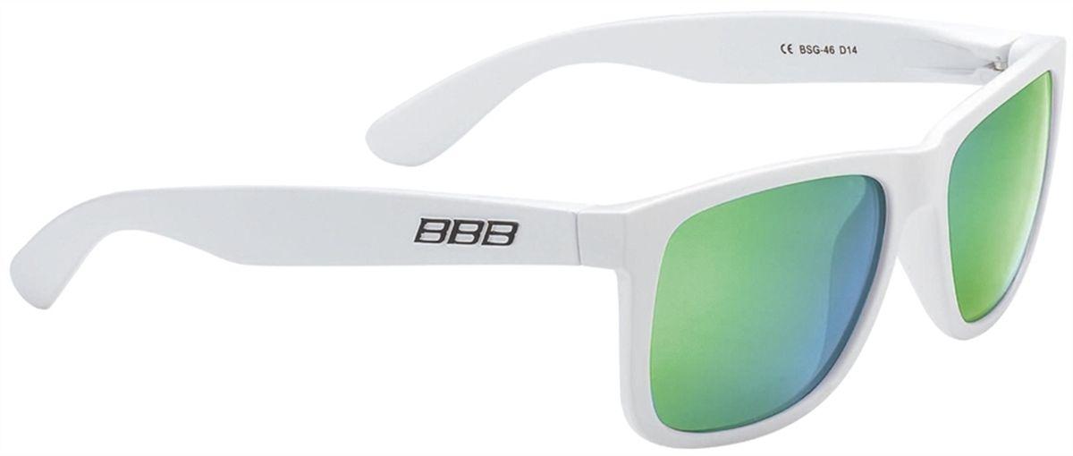 Очки солнцезащитные BBB Street PZ PC MLC Polarised Lenses, цвет: белый, зеленыйBSG-46Каркас очков BBB Street PZ PC MLC Polarised Lenses выполнен из высококачественного поликарбоната. Поляризованные линзы уменьшают раздражение, а иногда и опасные блики на поверхности, например на дороге. Идеальны, если вы ищете острейший и ясный взгляд. Очки обеспечивают 100% защиту от ультрафиолета.Поставляются с чехлом.