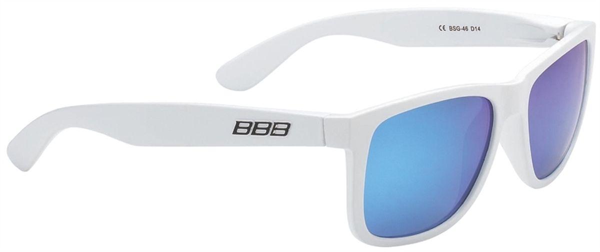 Очки солнцезащитные BBB Street PZ PC MLC Polarised Lenses, цвет: белыйZ90 blackКаркас очков BBB Street PZ PC MLC Polarised Lenses выполнен из высококачественного поликарбоната. Поляризованные линзы уменьшают раздражение, а иногда и опасные блики на поверхности, например на дороге. Идеальны, если вы ищете острейший и ясный взгляд. Очки обеспечивают 100% защиту от ультрафиолета.Поставляются с чехлом.