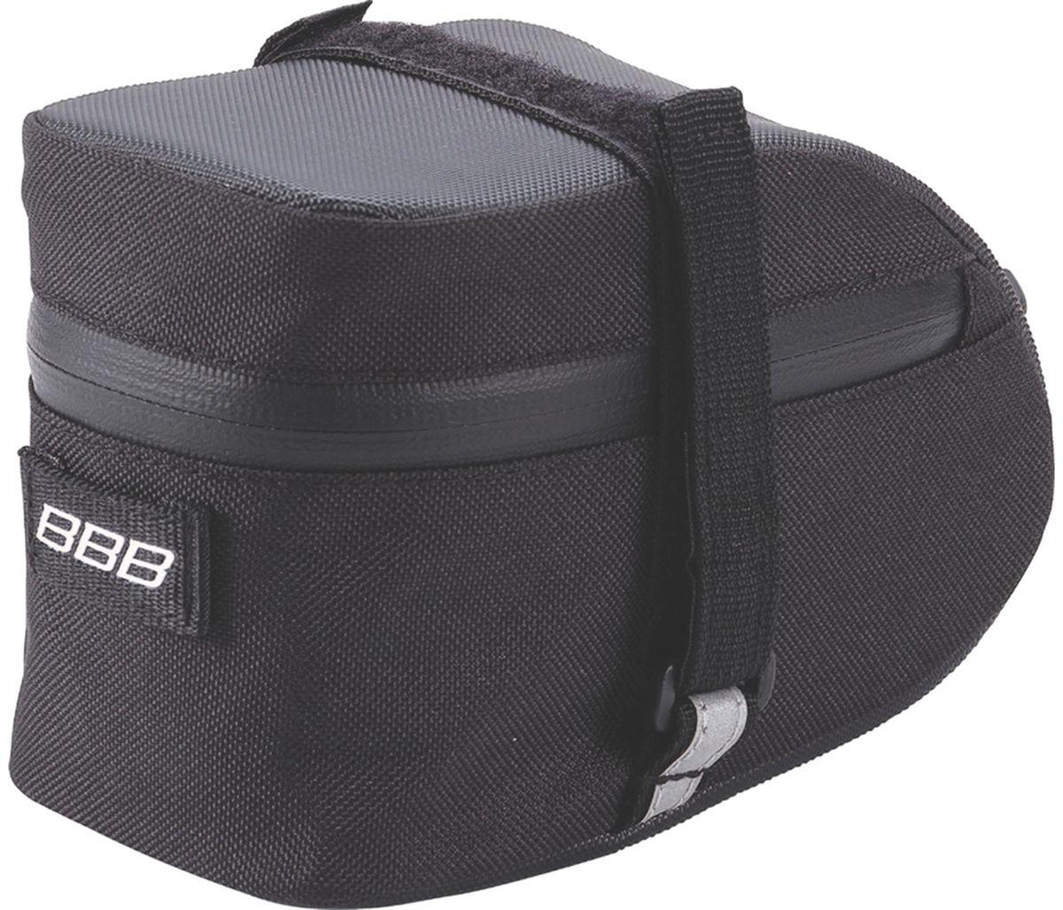 Велосумка под седло BBB EasyPack, цвет: черный. Размер M3615В технологичной подседельной сумке BBB EasyPack применяются лучшие материалы и новейшие технологии. Синяя подкладка обеспечивает лучшую видимость содержимого. Эластичный ремешок и карман для простоты организации содержимого вашей сумочки . Водонепроницаемая молния с фиксатором дает дополнительную безопасность и абсолютно бесшумна при езде. Крепление для заднего габарита-LED фонарика. Черная светоотражающая полоска обеспечивает лучшую видимость вас на дороге. Двойная застежка на липучке помогает просто и быстро установить/снять сумку. Резиновый ремешок крепления к подседельному штырю для надежной фиксации сумочки и во избежание повреждений лайкровых шорт и подседельного штыря.