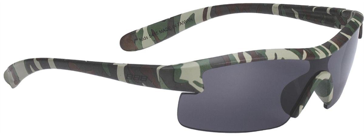 Очки солнцезащитные BBB Kids PC Smoke Lens, цвет: камуфляжZ90 blackСпециальные детские очки BBB Kids PC Smoke Lens небольшого размера имеют прочную монолитную оправу, выполненную из поликарбоната. Округлая форма линз обеспечивает защиту от солнца, пыли и ветра. 100% защита от ультрафиолета.Мешочек для хранения в комплекте.