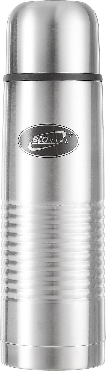 Термос Biostal, цвет: стальной, 0,75 л318570Термос Biostal прост в использовании и многофункционален. Он изготовлен из высококачественной нержавеющей стали. Термос предназначен для хранения горячих и холодных напитков. Корпус изделия покрыт защитным цветным лаком. Удобная пробка с кнопкой позволяет наливать напитки, не отвинчивая саму пробку. Крышку термоса можно использовать в качестве чашки. В комплект входит удобный чехол для хранения и переноски.