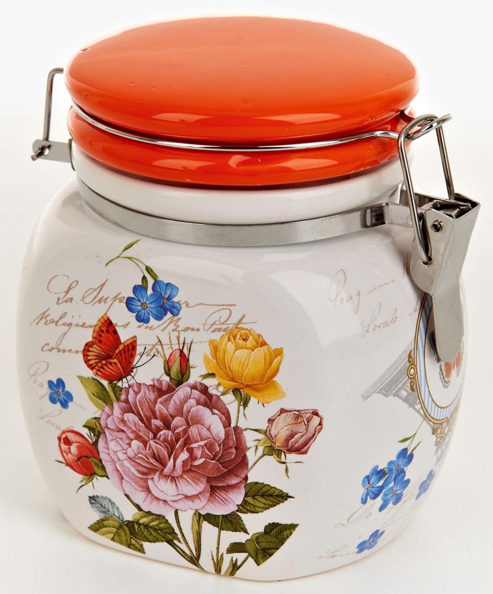 Банка для сыпучих продуктов Nouvelle De France Лето в Европе, 500 мл. 0660096VT-1520(SR)Банка для сыпучих продуктов изготовлена из прочной доломитовой керамики, покрытой слоем сверкающей гладкой глазури. Изделие оформлено красочным изображением. Банка прекрасно подойдет для хранения различных сыпучих продуктов: чая, кофе, сахара, круп и многого другого. Благодаря силиконовой прослойке и бугельному замку, крышка герметично закрывается, что позволяет дольше сохранять продукты свежими. Изящная емкость не только поможет хранить разнообразные сыпучие продукты, но и стильно дополнит интерьер кухни. Изделие подходит для использования в посудомоечной машине и в холодильнике.