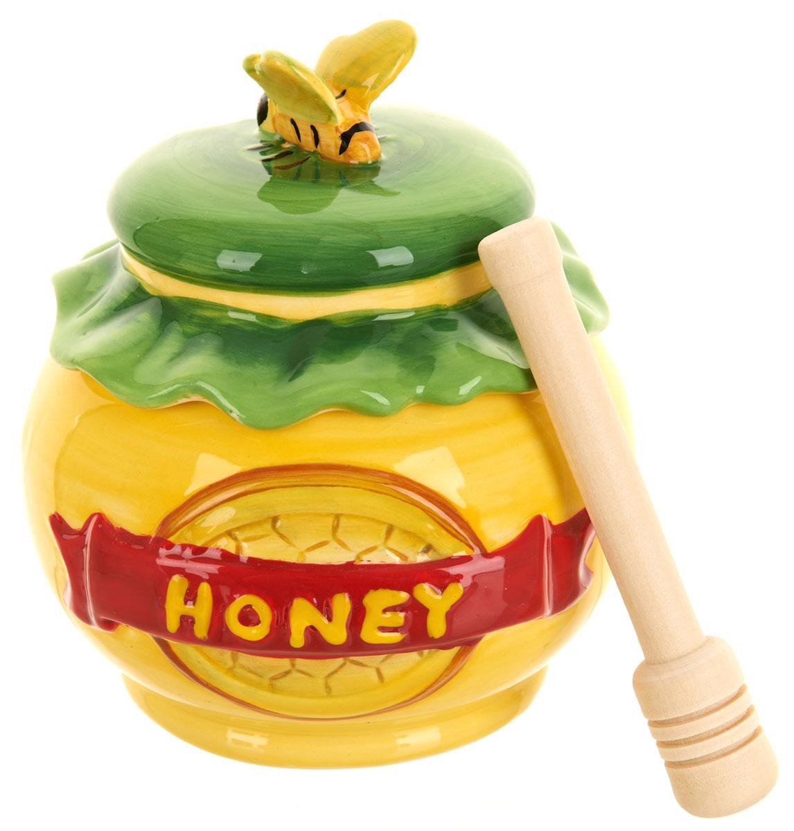 Банка для меда ENS Group Honey, с ложкой, 280 мл115510Банка для меда ENS Group Honey, выполненная из высококачественной керамики, украсит вашу кухню. Банка оснащена плотно закрывающейся крышкой. В комплект входит специальная деревянная ложечка.