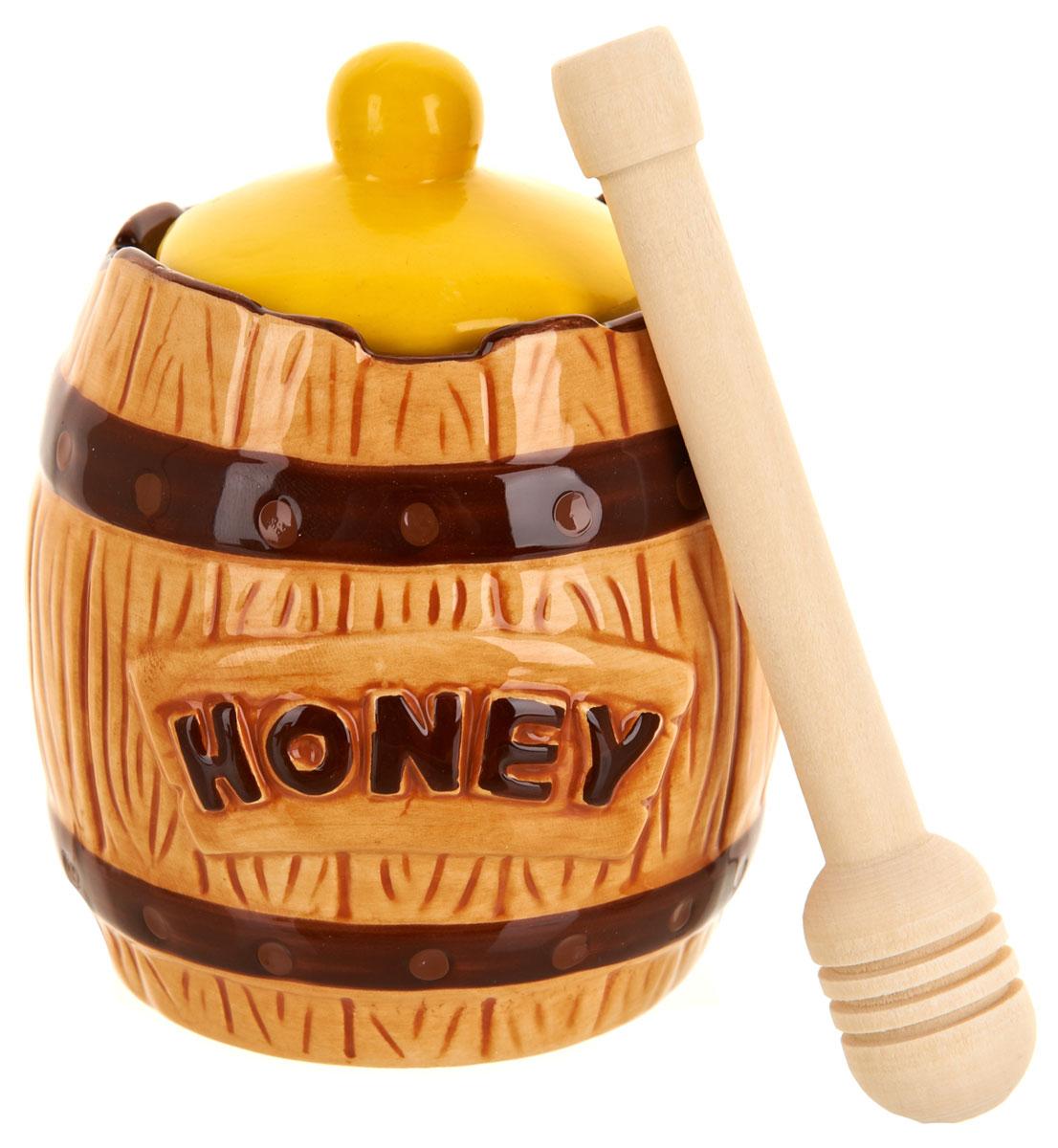 Банка для меда ENS Group Honey, с ложкой, 300 мл115510Банка для меда ENS Group Honey, выполненная из высококачественной керамики, украсит вашу кухню. Банка оснащена плотно закрывающейся крышкой. В комплект входит специальная деревянная ложечка.