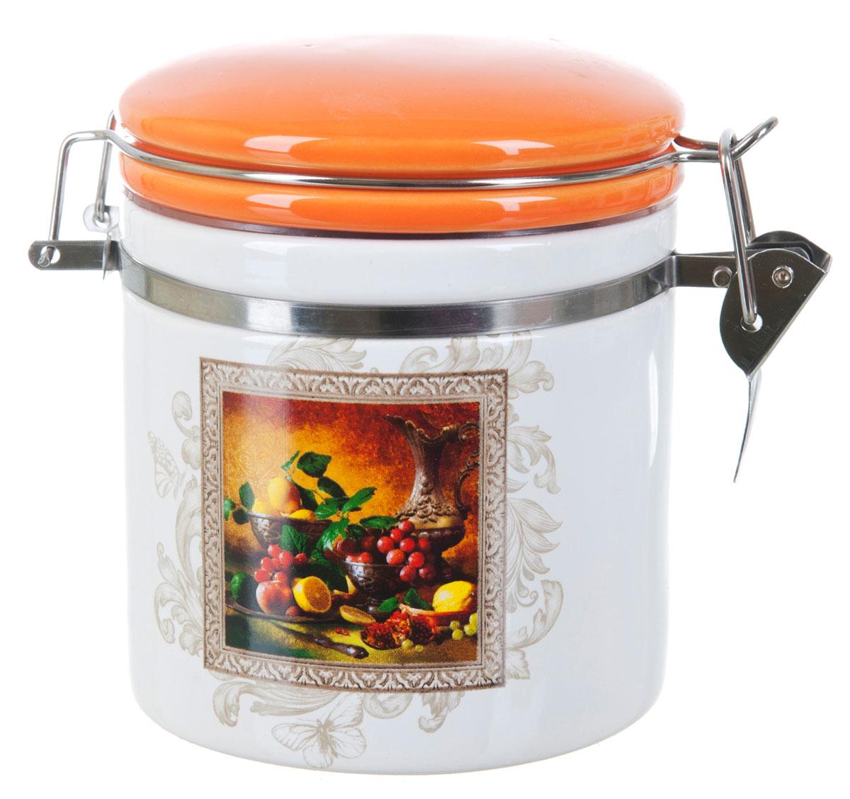 Банка для сыпучих продуктов Polystar Севилья, 500 мл. L2520548VT-1520(SR)Банка для сыпучих продуктов Polystar Севилья изготовлена из прочной доломитовой керамики, покрытой слоем сверкающей гладкой глазури. Изделие оформлено красочным изображением. Банка прекрасно подойдет для хранения различных сыпучих продуктов: чая, кофе, сахара, круп и многого другого. Благодаря силиконовой прослойке и бугельному замку, крышка герметично закрывается, что позволяет дольше сохранять продукты свежими. Изящная емкость не только поможет хранить разнообразные сыпучие продукты, но и стильно дополнит интерьер кухни. Изделие подходит для использования в посудомоечной машине и в холодильнике.