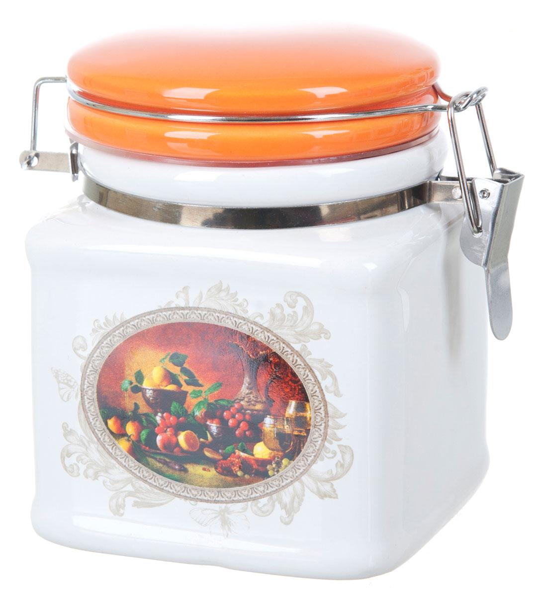 Банка для сыпучих продуктов Polystar Севилья, 500 мл. L2520572VT-1520(SR)Банка для сыпучих продуктов Polystar Севилья изготовлена из прочной доломитовой керамики, покрытой слоем сверкающей гладкой глазури. Изделие оформлено красочным изображением. Банка прекрасно подойдет для хранения различных сыпучих продуктов: чая, кофе, сахара, круп и многого другого. Благодаря силиконовой прослойке и бугельному замку, крышка герметично закрывается, что позволяет дольше сохранять продукты свежими. Изящная емкость не только поможет хранить разнообразные сыпучие продукты, но и стильно дополнит интерьер кухни. Изделие подходит для использования в посудомоечной машине и в холодильнике.