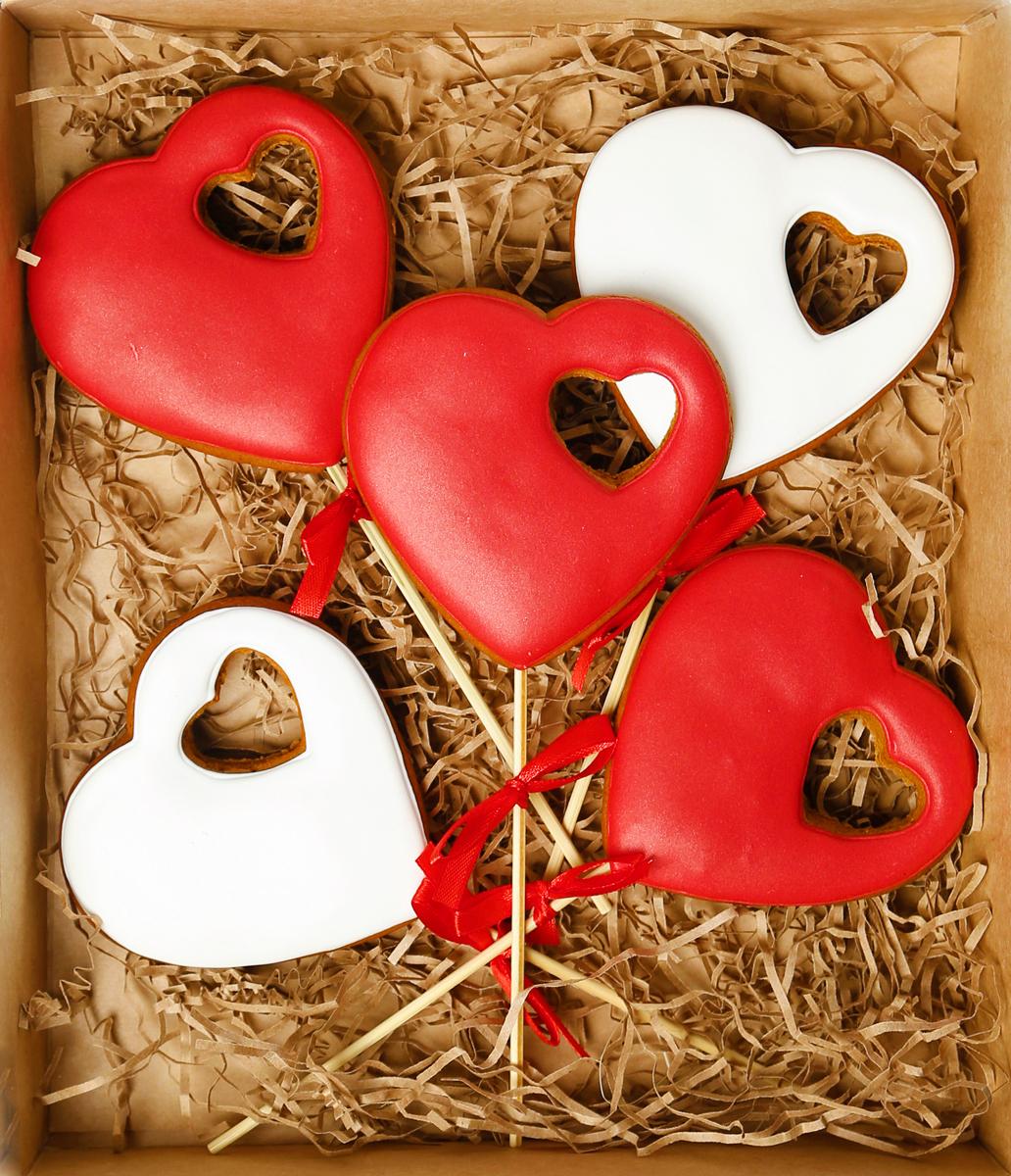 Жуковский пряник Подарочный набор Сердце в сердце, 5 шт0120710Медово-имбирный пряник с росписью из айсинга, фотопечатью на сахарной бумаге. Отличный подарок для любимых. Без ГМО.
