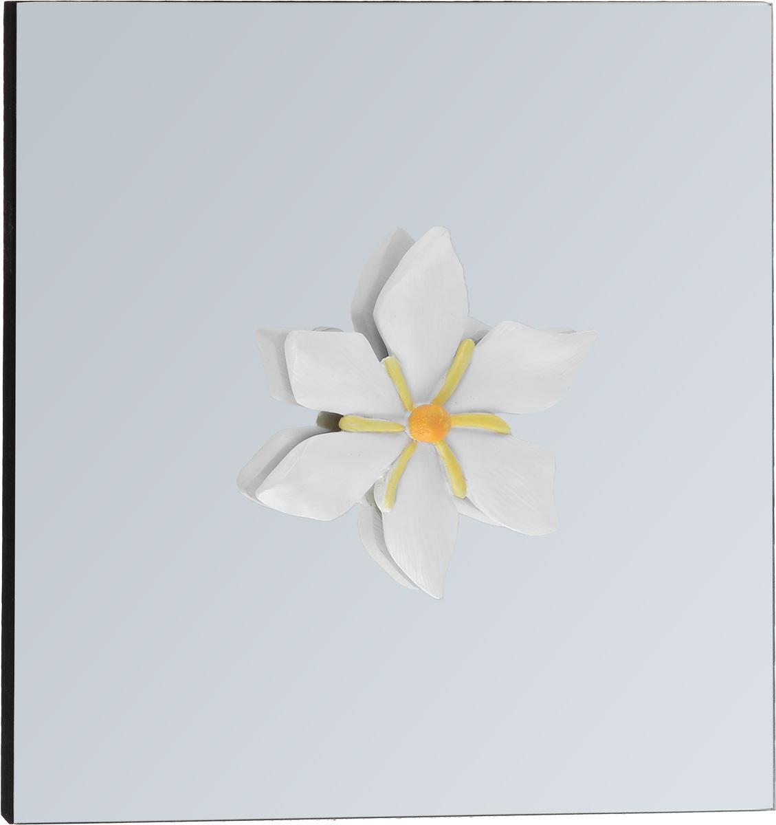 Украшение декоративное Феникс-Презент Нежный цветок, настенное, 24 x 24 x 3 см300144Настенное украшение Феникс-Презент Нежный цветок изготовлено из основы МДФ и зеркального стекла, декоративный элемент выполнен из полирезина в виде цветка. Для удобства размещения изделие оснащено металлической петелькой для подвешивания. Такое украшение не только подчеркнет ваш изысканный вкус, но и станет прекрасным подарком, который обязательно порадует получателя.