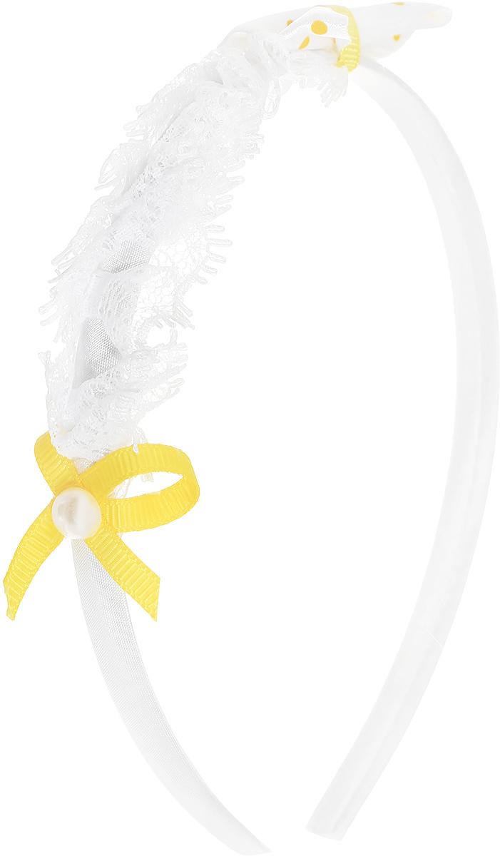 Babys Joy Ободок цвет белый желтый VT 117VT 117_белый, желтыйОбодок для волос Babys Joy выполнен из пластика без зубчиков и обтянут атласной тканью, оформлен декоративным бантиком из атласной белой ленты в желтый горох, кружевной тесьмой и небольшим желтым бантиком с перламутровой бусиной в центре.Ободок позволяет не только убрать непослушные волосы со лба, но и придать образу романтичности и очарования.