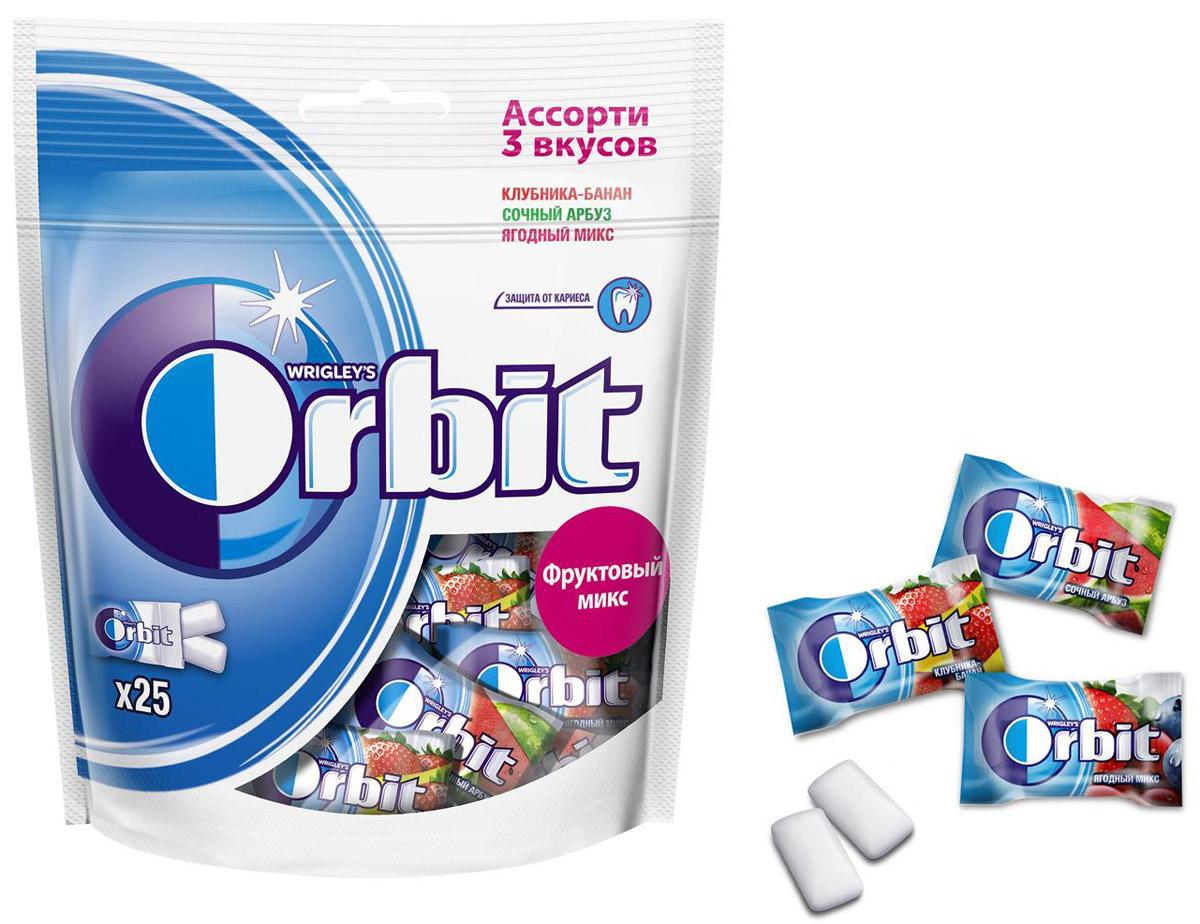 Orbit Фруктовый Микс Ассорти 3 вкусов жевательная резинка, 50 драже0120710Жевательная резинка Orbit без сахара способствует поддержанию здоровья зубов: удаляет остатки пищи, способствует уменьшению зубного налета, нейтрализует вредные кислоты, усиливает процесс реминерализации эмали. Употребление жевательной резинки каждый раз после еды способствует поддержанию чистоты и здоровья зубов в дополнение к уходу за ротовой полостью с помощью зубной щетки.