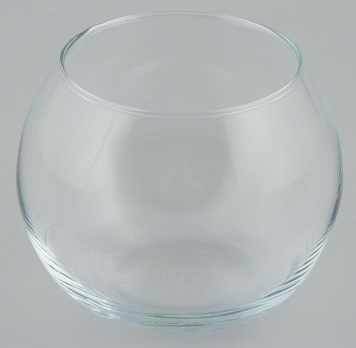 Ваза Pasabahce Flora, высота 7,9 смFS-80264Декоративная ваза Pasabahce Flora выполнена из высококачественного прозрачного стекла.Изделие придется по вкусу и ценителям классики, и тем, кто предпочитает утонченность и изящность. Вы можете поставить вазу в любом месте, где она будет удачно смотреться и радовать глаз. Такая ваза подойдет для декора интерьера. Кроме того - это отличный вариант подарка для ваших близких и друзей.Высота вазы: 7,9 см.