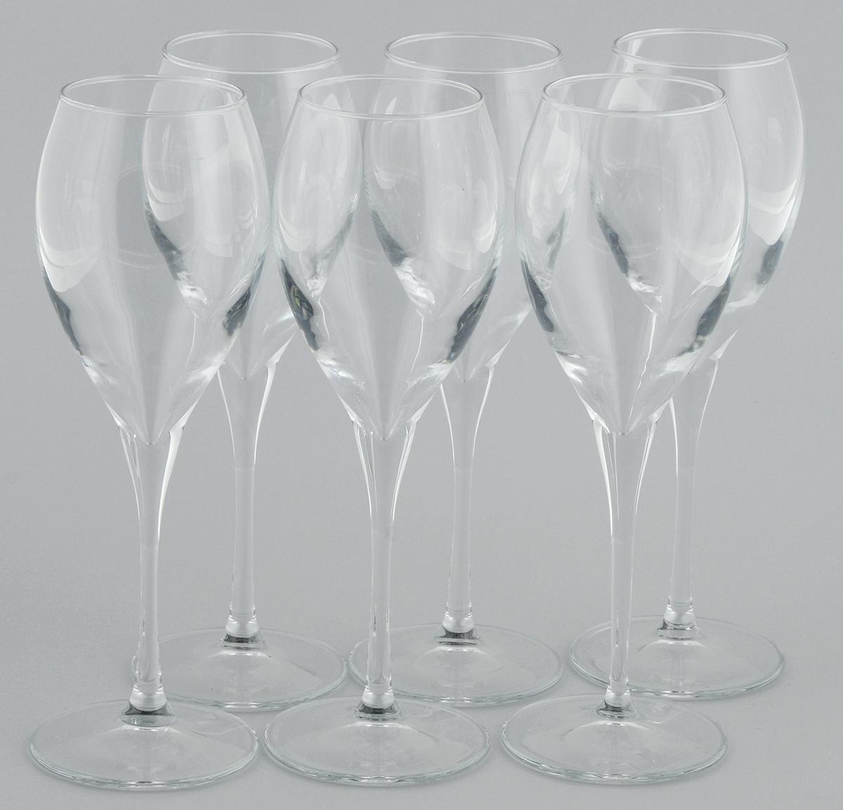 Набор бокалов для вина Pasabahce Monte Carlo, 325 мл, 6 штVT-1520(SR)Набор Pasabahce Monte Carlo состоит из шести бокалов, выполненных из прочного натрий-кальций-силикатного стекла. Изделия оснащены высокими ножками и предназначены для подачи вина. Они сочетают в себе элегантный дизайн и функциональность. Набор бокалов Pasabahce Monte Carlo прекрасно оформит праздничный стол и создаст приятную атмосферу за романтическим ужином. Такой набор также станет хорошим подарком к любому случаю.