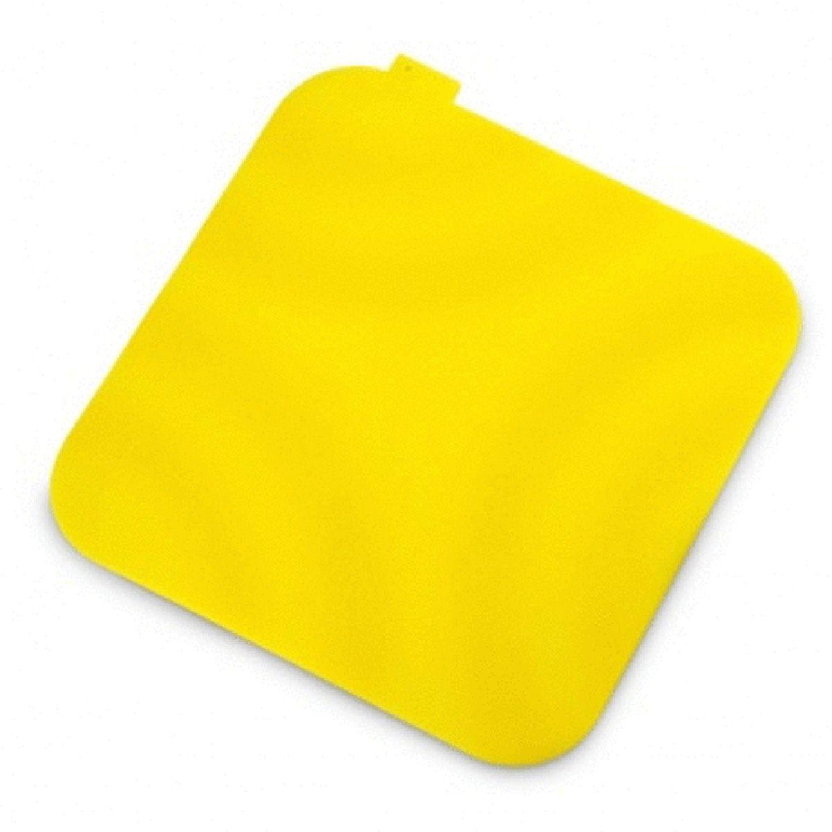 Подставка под горячее MoulinVilla, цвет: желтый, SIL-1115510Подставка под горячее MOULINvilla изготовлена из силикона, что позволяет ей выдерживать высокие температуры и не поцарапать поверхность стола. Материал не скользит по поверхности стола. Каждая хозяйка знает, что подставка под горячее - это незаменимый и очень полезный аксессуар на каждой кухне. Ваш стол будет не только украшен яркой и оригинальной подставкой, но и сбережен от воздействия высоких температур.