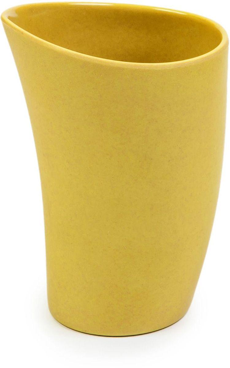 Чашка чайная MoulinVilla, цвет: зеленый, 8,8 х 7,5 х 12,5 смSU 0046Чашка MOULINvilla изготовлена из природного бамбука, очищенного от вредных примесей. Для окраски используются натуральные пищевые красители. Бамбук, сам по себе, является природным антисептиком. Эта уникальная особенность посуды гарантирует безопасность при эксплуатации и хранении различных видов пищевой продукции. Особенности: - 100% биодеградация: полное биоразложение после утилизации; - 100% экологически чистый продукт: не содержит пластик, меламин и химические соединения; - можно мыть в посудомоечной машине; - можно использовать для горячих и холодных продуктов (диапазон температур: от -20°С до 120°С); - нельзя использовать в СВЧ печах; - безопасно для детей.Современный дизайн и палитра красок посуды MOULINvilla делает ее красивым предметом интерьера современной кухни. Диаметр чашки по верхнему краю: 8,8 см. Высота стенки чашки: 12,5 см.