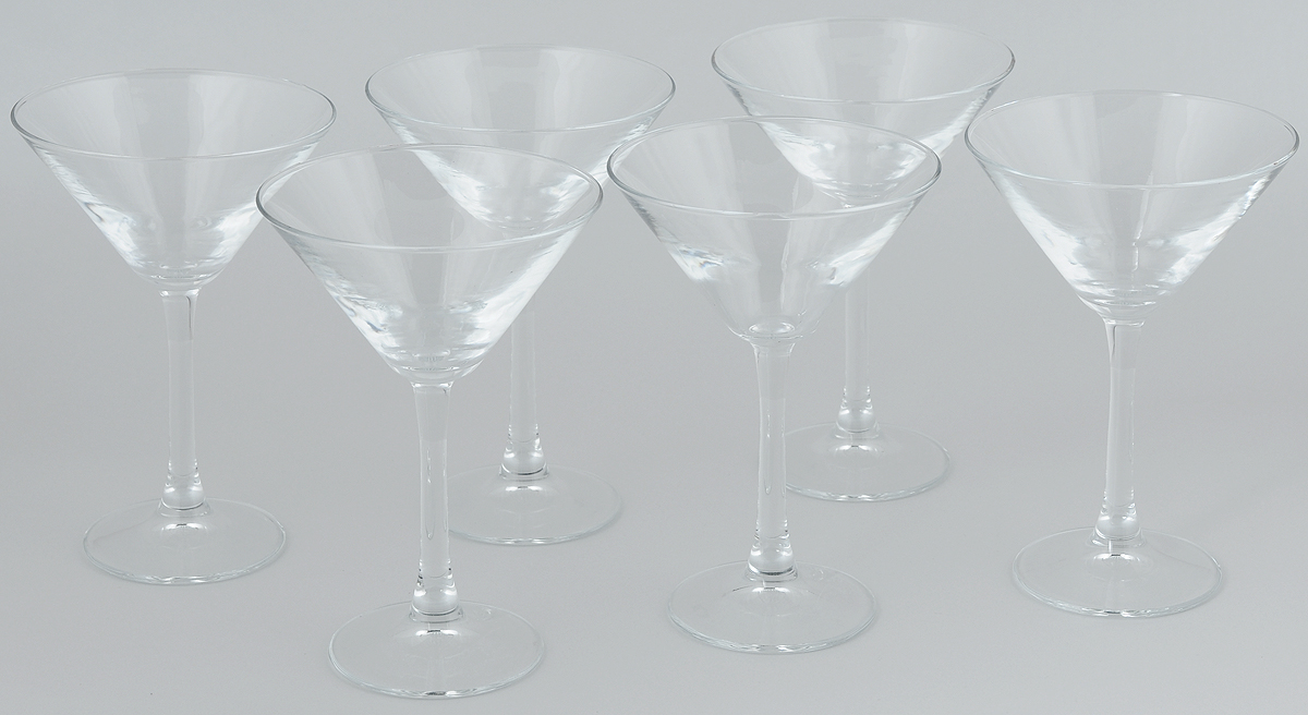 Набор бокалов для мартини Pasabahce Imperial Plus, 204 мл, 6 шт44919BНабор Pasabahce Imperial Plus состоит из шести бокалов, выполненных из прочного натрий-кальций-силикатного стекла. Изделия оснащены высокими ножками и предназначены для подачи мартини. Они сочетают в себе элегантный дизайн и функциональность.Набор бокалов Pasabahce Imperial Plus прекрасно оформит праздничный стол и создаст приятную атмосферу за романтическим ужином. Такой набор также станет хорошим подарком к любому случаю. Высота бокала: 18 см.