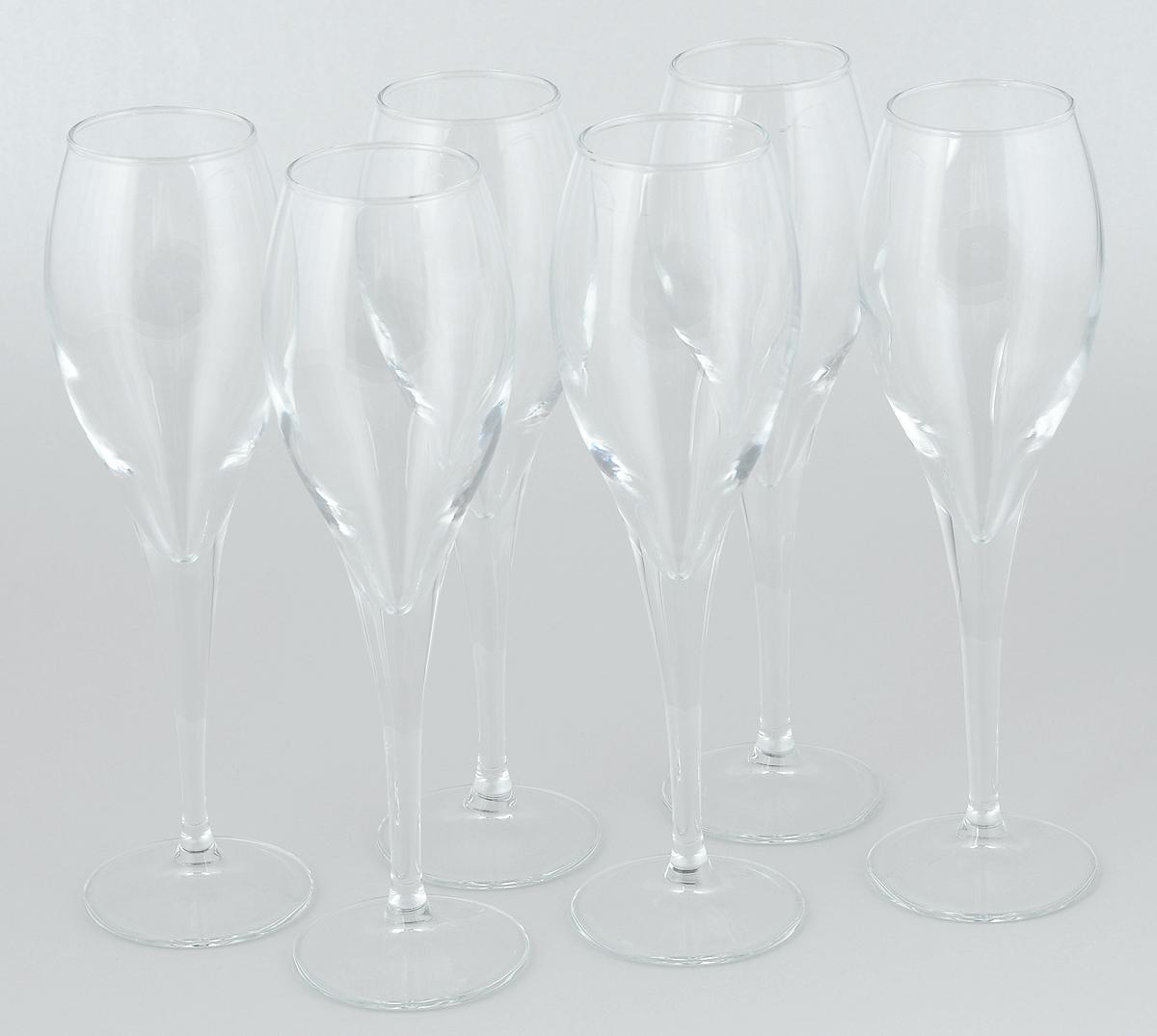 Набор бокалов Pasabahce Monte Carlo, 195 мл, 6 шт440090BНабор Pasabahce Monte Carlo состоит из шести бокалов, выполненных из прочного натрий-кальций-силикатного стекла. Изделия оснащены высокими ножками и предназначены для подачи вина, а также шампанского. Они сочетают в себе элегантный дизайн и функциональность. Набор бокалов Pasabahce Monte Carlo прекрасно оформит праздничный стол и создаст приятную атмосферу за романтическим ужином. Такой набор также станет хорошим подарком к любому случаю.Высота бокала: 21,3 см.
