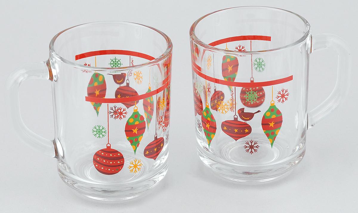 Набор кружек Pasabahce Workshop Christmas Toys, 250 мл, 2 шт54 009303Набор Pasabahce Workshop Christmas Toys состоит из двух кружек с удобными ручками, выполненных из прочного натрий-кальций-силикатного стекла. Кружки декорированы ярким изображением. Изделия хорошо удерживают тепло, не нагреваются. На них не выгорает и не вымывается рисунок. Посуда Pasabahce Workshop будет радовать вас яркими, интересными рисунками и качеством изготовления. Объем кружки: 250 мл.