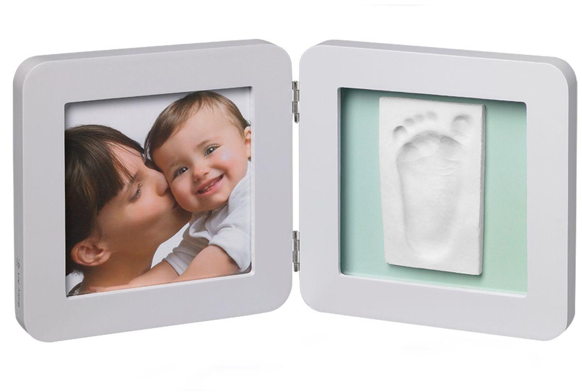 Baby Art Рамка для оттисков Модерн двойная с 3 подложками41619Рамочка с отпечатком от компании Baby Art - это особый подход к созданию очаровательного подарка на память для этого особого периода жизни, с фотографией и обоими отпечатками ручки и ножки вашего ребенка.- Быстро и легко сделать отпечаток: не надо запекать, нет необходимости в дополнительных материалах, все уже включено в набор! - Можно делать несколько проб до сушки. - Очень быстро: создание идеального слепка всего за 2 минуты (не включая процесс сушки).