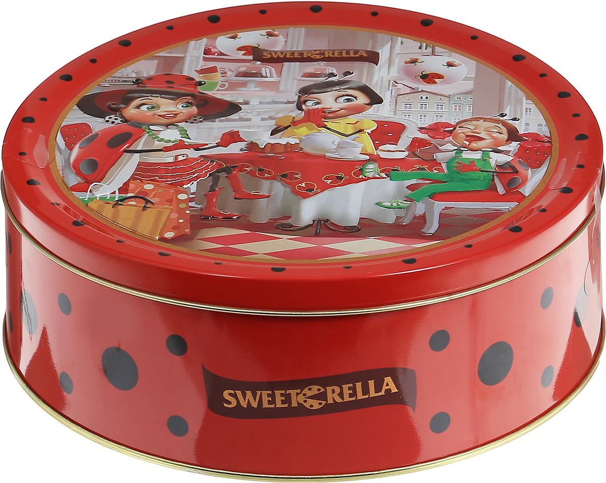 Sweeterella набор сдобного печенья ассорти, 710 г0120710Ассорти превосходного сдобного печенья, изготовленного по традиционным старинным рецептам. Печенье упаковано в удобную круглую жестяную банку. Ассорти из 6 видов превосходного сдобного печенья: - печенье с кусочками шоколада; - печенье с ароматом яблока и корицей; - печенье с хлопьями миндаля;- печенье кокосовое; - печенье с яблоком и изюмом; - печенье с кусочками шоколада и цедрой апельсина.Уважаемые клиенты! Обращаем ваше внимание, что полный перечень состава продукта представлен на дополнительном изображении.