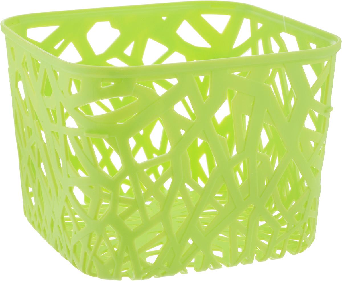 Корзина универсальная Curver Neo Colors, цвет: светло-зеленый, 19 x 19 x 14 смPARIS 75015-8C ANTIQUEУниверсальная корзина Curver Neo Colors изготовлена из высококачественного пластика и дополнена перфорированными стенками и дном. Такая корзина непременно пригодится в быту, в ней можно хранить кухонные принадлежности, специи, аксессуары для ванной и другие бытовые предметы, диски и канцелярию. Размер корзины: 19 х 19 х 14 см.