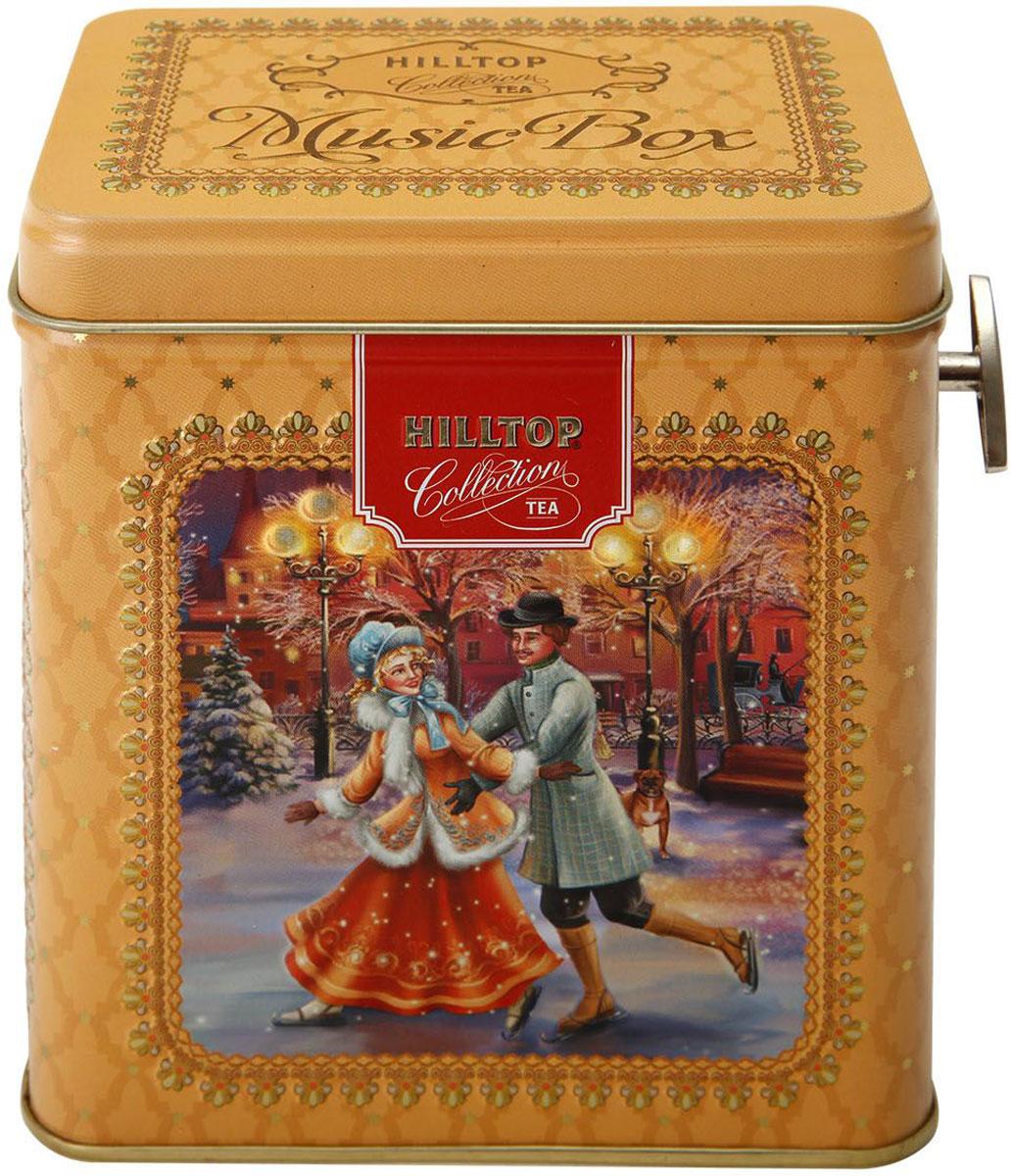 Hilltop Шкатулка Рождественские катания Черный лист черный листовой чай, 100 г101246Hilltop Черный лист - особо крупнолистовой цейлонский черный чай с насыщенным ароматом и терпким послевкусием. Поставляется в красочной подарочной упаковке. Отлично подойдет в качестве подарка на новогодние праздники.