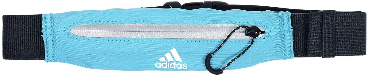 Сумка поясная для бега Adidas Running Belt, цвет: бирюзовый, черныйS96359Сумка Adidas Running Belt, выполненная из нейлона и эластана, оформлена символикой бренда. Сумка фиксируется на поясе с помощью эластичного ремешка с застежкой-фастекс. Изделие имеет одно отделение на застежке-молнии, в которое удобно положить ключи, деньги и другие мелочи. Изделие оснащено светоотражающими деталями.Такая поясная сумка для бега станет настоящей находкой, как для любителей, так и для профессиональных спортсменов, которые действительно серьезно подходят к экипировке.