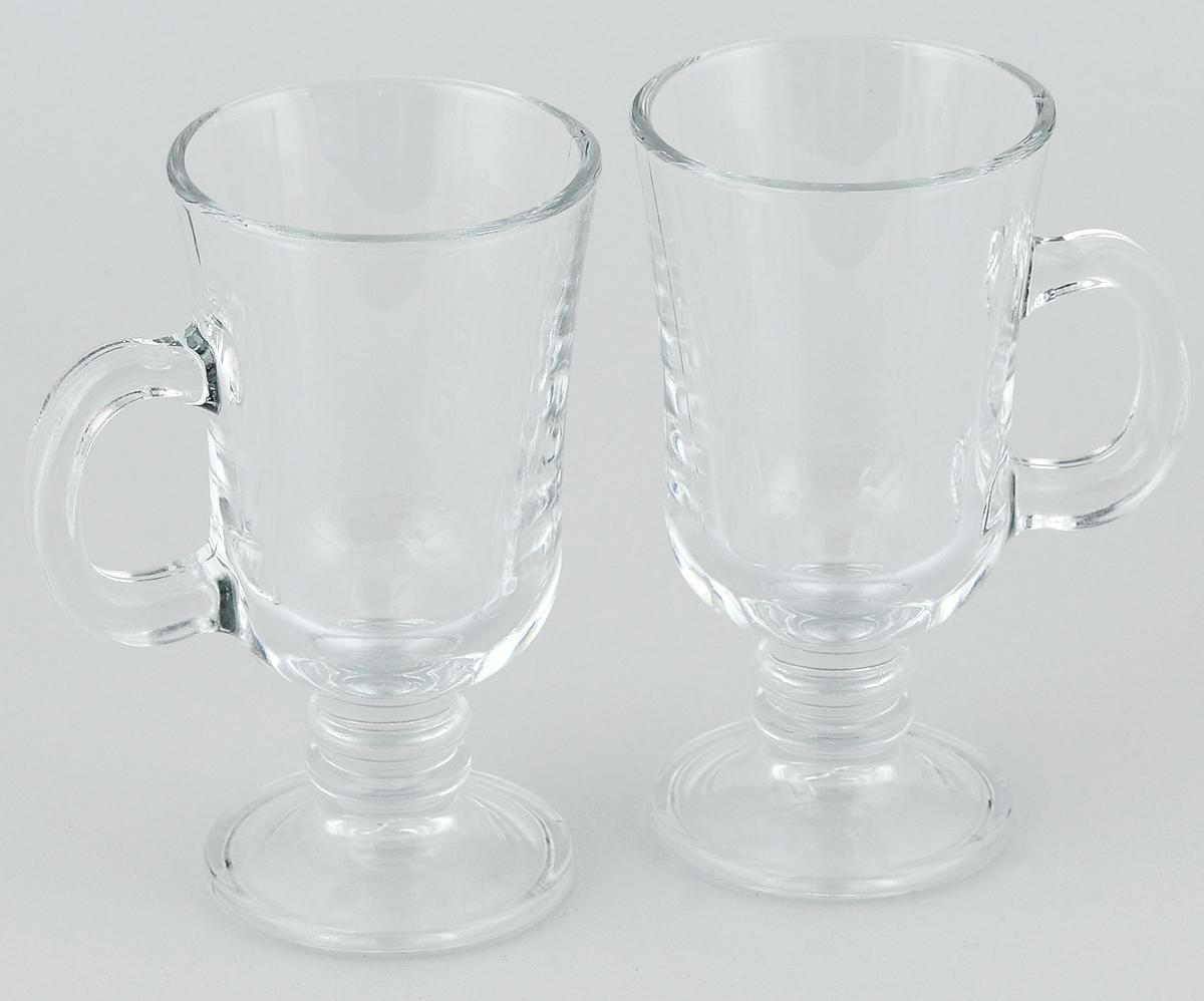 Набор кружек Pasabahce Pub, 215 мл, 2 шт. 55341BT54 009312Набор Pasabahce Pub, состоящий из двух кружек с ручками, несомненно, придется вам по душе. Кружки изготовлены из прочного натрий-кальций-силикатного закаленного стекла. Изделия выполнены в оригинальном элегантном дизайне. Кружки можно использовать для подачи фруктового салата, мороженого, горячих алкогольных напитков, таких, как глинтвейн и многого другого. Набор кружек Pasabahce Pub станет также отличным подарком на любой праздник.Можно мыть в посудомоечной машине и использовать в микроволновой печи.Высота кружки: 15 см.Диаметр кружки (по верхнему краю): 7 см. 215 мл