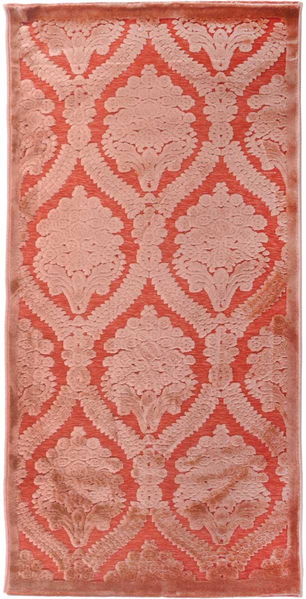 Ковер ART Carpets Платин, 80 х 150 см. 203420130212182826ES-412Ковер ART Carpets, изготовленный из высококачественного материала, прекрасно подойдет для любого интерьера. За счет прочного ворса ковер легко чистить. При надлежащем уходе синтетический ковер прослужит долго, не утратив ни яркости узора, ни блеска ворса, ни упругости. Самый простой способ избавить изделие от грязи - пропылесосить его с обеих сторон (лицевой и изнаночной). Влажная уборка с применением шампуней и моющих средств не противопоказана. Хранить рекомендуется в свернутом рулоном виде.