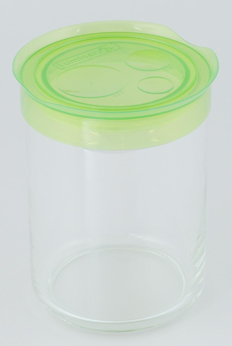 Банка для сыпучих продуктов Luminarc Storing Box, с крышкой, цвет: светло-зеленый, 1 лАксион Т-33Банка Luminarc Storing Box, выполненная из высококачественного стекла, станет незаменимым помощником на кухне. В ней будет удобно хранить разнообразные сыпучие продукты, такие как кофе, сахар, соль или специи. Прозрачная банка позволит следить, что и в каком количестве находится внутри. Банка надежно закрывается пластиковой крышкой, которая снабжена резиновым уплотнителем для лучшей фиксации. Такая банка не только сэкономит место на вашей кухне, но и украсит интерьер.Объем: 1 л.Диаметр банки (по верхнему краю): 9 см.Высота банки (без учета крышки): 14,5 см.