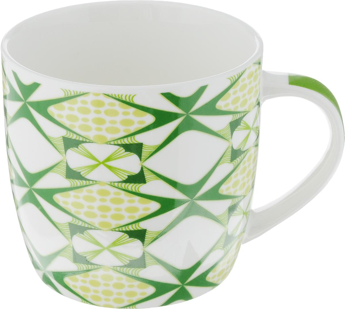 Кружка Loraine, цвет: белый, зеленый, салатовый, 320 мл. 2447324473Кружка Loraine изготовлена из прочного качественного костяного фарфора. Изделие оформлено красочным рисунком. Благодаря своим термостатическим свойствам, изделие отлично сохраняет температуру содержимого - морозной зимой кружка будет согревать вас горячим чаем, а знойным летом, напротив, радовать прохладными напитками. Такой аксессуар создаст атмосферу тепла и уюта, настроит на позитивный лад и подарит хорошее настроение с самого утра. Это оригинальное изделие идеально подойдет в подарок близкому человеку. Диаметр (по верхнему краю): 8,5 см.Высота кружки: 8,2 см. Объем: 320 мл.
