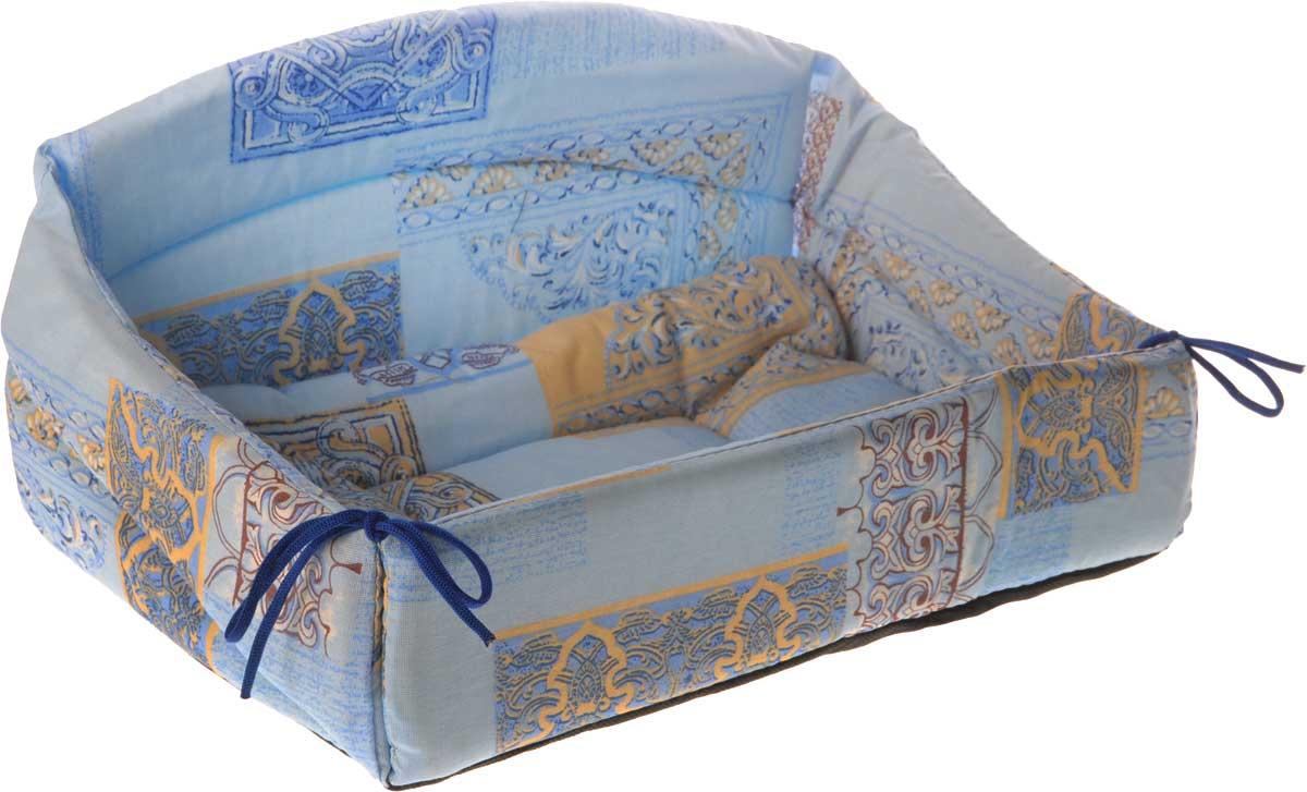 Лежак для животных Elite Valley Диван, цвет: голубой, синий, бежевый, 40 х 27 х 22 см0120710Изящный лежак Elite Valley Диван обязательно понравится вашему питомцу. Изделие выполнено из высококачественной бязи, а наполнитель - из поролона и синтепона. Он оснащен удобной спинкой и бортами, а также мягкой съемной подстилкой. Передний бортик лежака можно откинуть или зафиксировать вертикально при помощи шнурков. Компактные размеры позволят поместить лежак где угодно, а приятная цветовая гамма сделает его оригинальным дополнением к любому интерьеру.