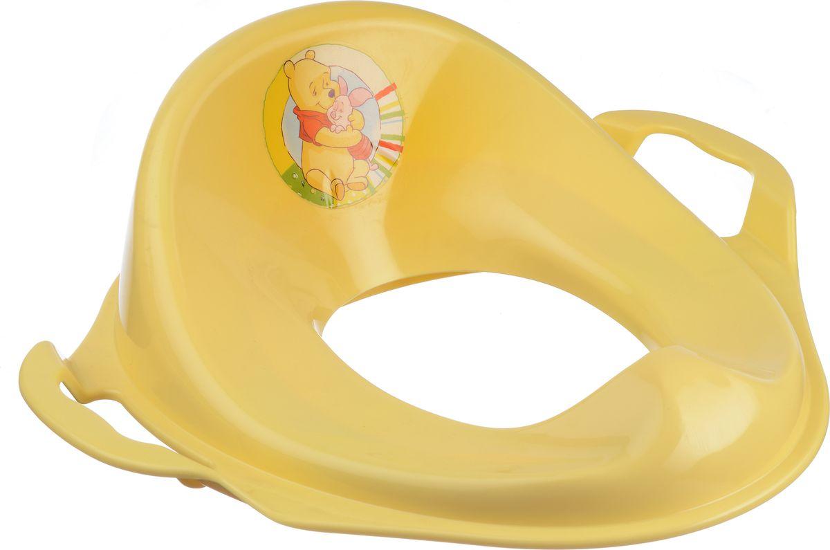 Disney Накладка на унитаз цвет банановый68/5/1Накладка на унитаз Disney сделает процесс приучения ребенка к взрослому унитазу быстрым и комфортным. Накладка имеет эргономичный дизайн, оснащена удобной спинкой и легко моется. По бокам расположены ручки, за которые малышу будет удобно держаться. Накладка выполнена из прочного безопасного пластика яркого цвета. Спереди расположено специальное возвышение, которые предотвращает разбрызгивание. Накладка легко моется и не впитывает неприятные запахи. Изделие оформлено изображением Винни-Пуха и его друга Пятачка.
