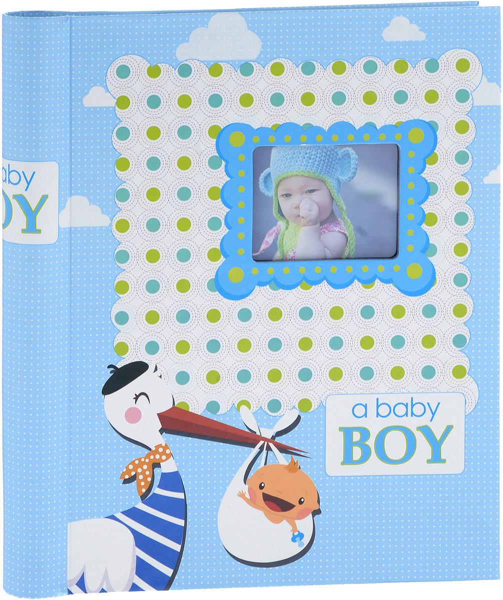 Фотоальбом Platinum Малыши - 2, 20 листов, цвет: голубой. 9821/FU210DFФотоальбом Platinum Малыши - 2, изготовленный из ламинированного картона с клеевым покрытием и пленки ПВХ, поможет сохранить вам самые важные и счастливые события жизни вашего ребенка. Этот альбом станет драгоценной памятью для вас, вашего ребенка и, возможно, ваших внуков.Обложка выполнена из толстого картона и оформлена оригинальным рисунком. Лицевая сторона обложки имеет окошечко для фотографии. Внутри содержится 20 магнитных листов, которые крепятся с помощью спирали. Нам всегда так приятно вспоминать о самых счастливых моментах жизни, запечатленных на фотографиях. Размер листа: 22,5 х 28 см.