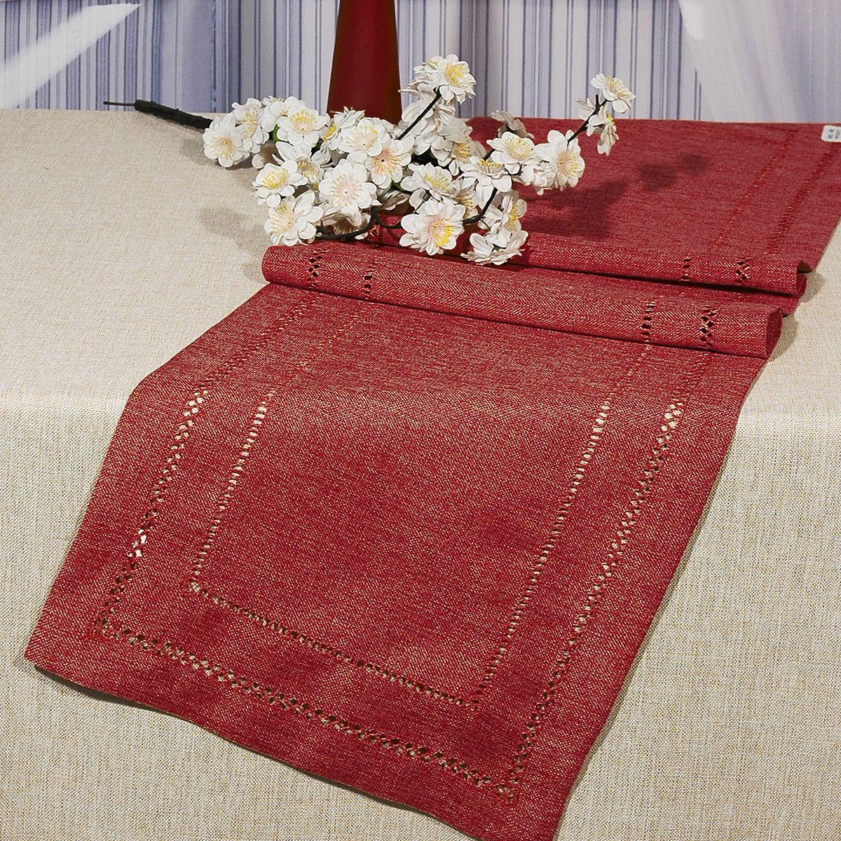 Дорожка для декорирования стола Schaefer, 40 x 90 см, цвет: красный. 06730-200VT-1520(SR)Дорожка для декорирования стола Schaefer может быть использована, как основной элемент, так и дополнение для создания уюта и романтического настроения.Дорожка выполнена из полиэстера. Изделие легко стирать: оно не мнется, не садится и быстро сохнет, более долговечно, чем изделие из натуральных волокон.Материал: 100% полиэстер.Размер: 40 x 90 см.