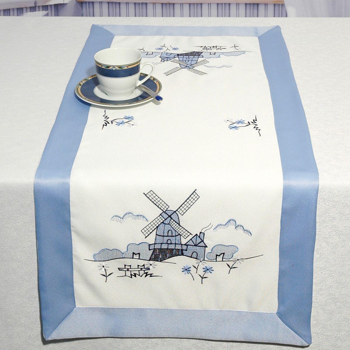 Дорожка для декорирования стола Schaefer, 40 x 90 см, цвет: белый, голубой. 06886-20006886-200Дорожка для декорирования стола Schaefer может быть использована, как основной элемент, так и дополнение для создания уюта и романтического настроения.Дорожка выполнена из полиэстера. Изделие легко стирать: оно не мнется, не садится и быстро сохнет, более долговечно, чем изделие из натуральных волокон.Материал: 100% полиэстер.Размер: 40 x 90 см.