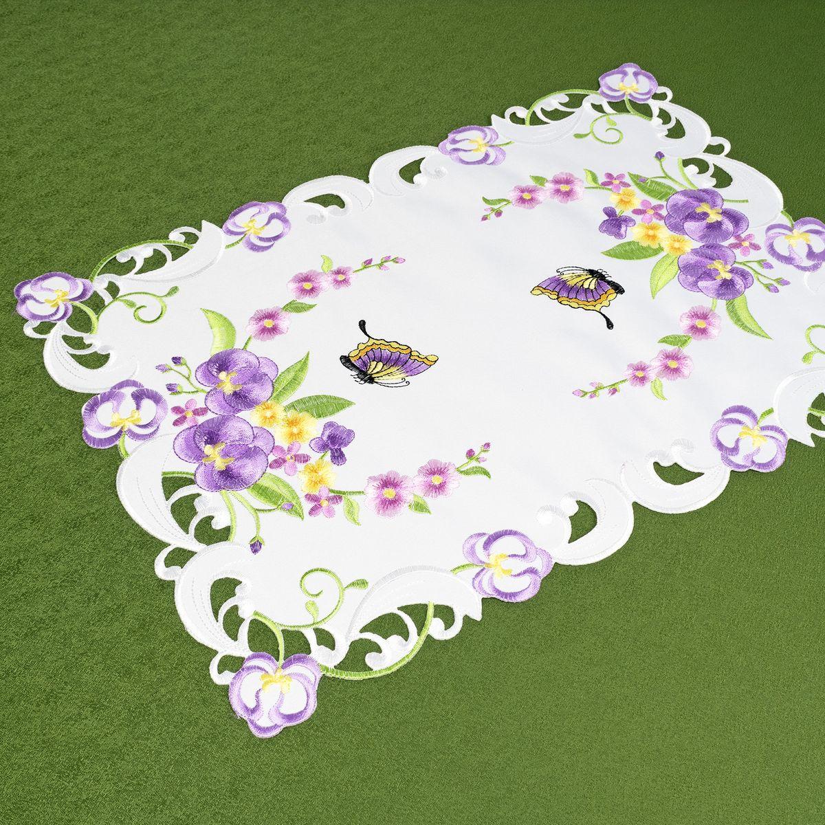 Салфетка Schaefer, 35 х 50 см. 07745-30307745-303Яркая и красивая салфетка Schaefer, выполненная из полиэстера, украшена красочным изображением. Изделие легко стирать и гладить, оно не требует специального ухода. Вы можете использовать салфетку для декорирования стола, комода, журнального столика. Она добавит в ваш дом стиля, изысканности и убережет мебель от царапин и потертостей.