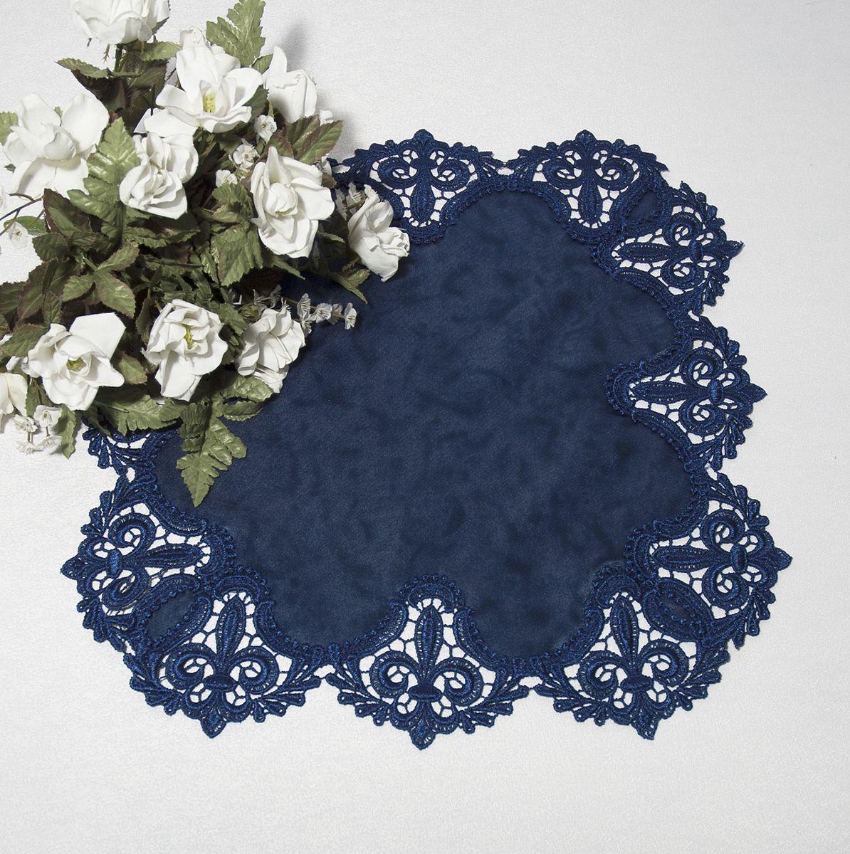 Салфетка Schaefer, цвет: синий, 38 х 38 см3051Яркая и красивая салфетка Schaefer выполнена из полиэстера. Изделие легко стирать и гладить, оно не требует специального ухода. Вы можете использовать салфетку для декорирования стола, комода, журнального столика. Она добавит в ваш дом стиля, изысканности и убережет мебель от царапин и потертостей.