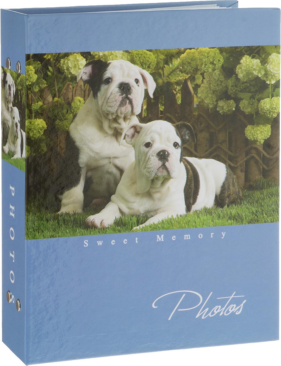 Фотоальбом Platinum Собаки-2, 200 фотографий, 10 х 15 смRG-D31SФотоальбом Platinum Собаки-2 поможет красиво оформить ваши фотографии. Обложка выполнена из толстого картона и декорирована рисунком с изображением собак. Внутри содержится блок из 50 листов с фиксаторами-окошками из полипропилена. Альбом рассчитан на 200 фотографий формата 10 х 15 см (по 2 фотографии на странице). Переплет - книжный. Нам всегда так приятно вспоминать о самых счастливых моментах жизни, запечатленных на фотографиях. Поэтому фотоальбом является универсальным подарком к любому празднику.Количество листов: 50.