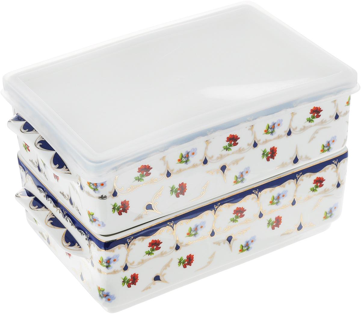 Набор блюд для холодца Elan Gallery Цветочек, 800 мл, 2 шт115510Блюда для холодца Elan Gallery Цветочек, изготовленные из высококачественной керамики, предназначены для приготовления и хранения заливного или холодца. Пластиковая крышка, входящая в комплект, сохранит свежесть вашего блюда. Также блюда можно использовать для приготовления и хранения салатов. Изделия оформлены оригинальным рисунком. Такие блюда украсят сервировку вашего стола и подчеркнут прекрасный вкус хозяйки.Не рекомендуется применять абразивные моющие средства. Не использовать в микроволновой печи. Размер блюд (без учета ручек и крышки): 17,2 х 11,5 х 6 см.Объем блюд: 800 мл.