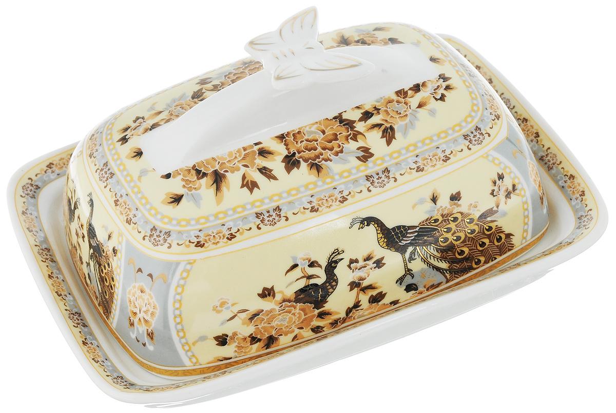 Масленка Elan Gallery Бабочка. Павлин на бежевомFS-91909Великолепная масленка Elan Gallery Бабочка. Павлин на бежевом, выполненная из высококачественной керамики, предназначена для красивой сервировки и хранения масла. Она состоит из подноса и крышки. Масло в ней долго остается свежим, а при хранении в холодильнике не впитывает посторонние запахи.Масленка Elan Gallery Бабочка. Павлин на бежевом идеально подойдет для сервировки стола и станет отличным подарком к любому празднику.Не рекомендуется применять абразивные моющие средства. Не использовать в микроволновой печи. Размер подноса: 17 х 12,5 х 2,3 см.Размер крышки: 14,5 х 10 х 7 см.Общий размер масленки: 17 х 13 х 8 см.