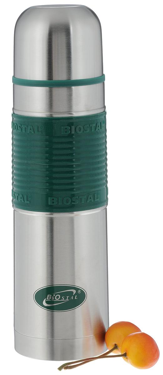 Термос Biostal Flёr, цвет: стальной, зеленый, 500 мл26099Термос с узким горлом Biostal Flёr, изготовленный из высококачественной нержавеющей стали 18/8 с силиконовой вставкой для удобства использовнаия. Такой термос прост в использовании, экономичен имногофункционален. Термос предназначен для хранения горячих и холодных напитков (чая, кофе)и укомплектован пробкой с кнопкой. Такая пробка удобна в использовании и позволяет, неотвинчивая ее, наливать напитки после простого нажатия. Изделие также оснащено крышкой-чашкой. Легкий и прочный термос Biostal Flёr сохранит ваши напитки горячими или холодными надолго.Высота термоса (с учетом крышки): 24 см.Диаметр горлышка: 4,5 см.