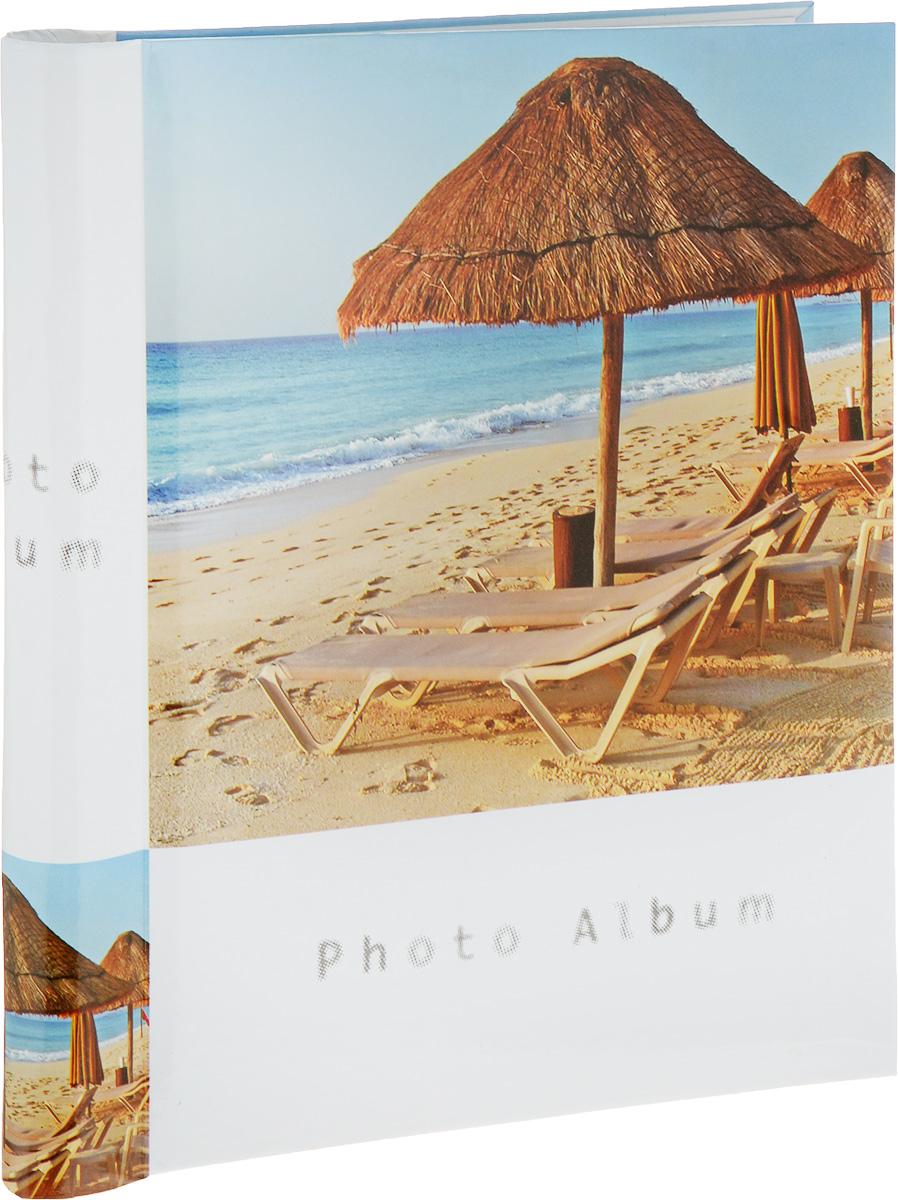 Фотоальбом Platinum Пляж, 30 листов4630003364517Фотоальбом Platinum Пляж, изготовленный из ламинированного картона с клеевым покрытием и пленки, поможет сохранить вам самые важные и счастливые события вашей жизни. Этот альбом станет драгоценной памятью для всей вашей семьи. Обложка выполнена из толстого картона и оформлена оригинальным изображением. Внутри содержится 30 магнитных листов, которые крепятся с помощью спирали. Нам всегда так приятно вспоминать о самых счастливых моментах жизни, запечатленных на фотографиях. Размер листа: 21 х 28 см.
