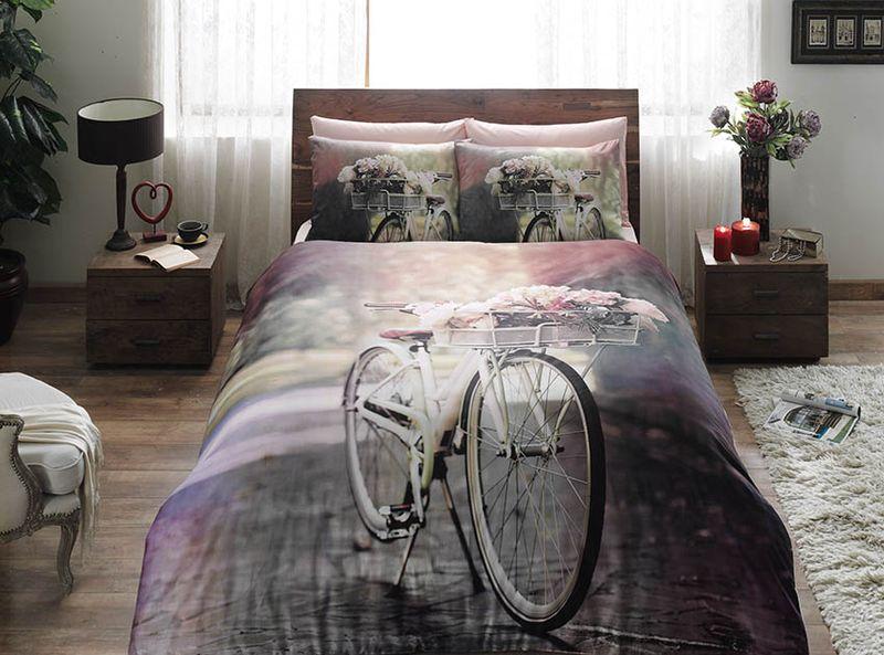Комплект постельного белья TAC Sunshine, 1,5-спальный, наволочка 50x70 см391602Комплект постельного белья включает в себя три предмета: пододеяльник, простыню и одну наволочку, выполненные из сатина.Сатин - гладкая и прочная ткань, которая своим блеском, легкостью и гладкостью похожа на шелк, но выгодно отличается от него в цене. Сатин практически не мнется, поэтому его можно не гладить. Ко всему прочему, он весьма практичен, так как хорошо переносит множественные стирки. Размер пододеяльника: 160 x 220 см.Размер простыни: 180 x 260 см.Размер наволочки: 50 x 70 см.