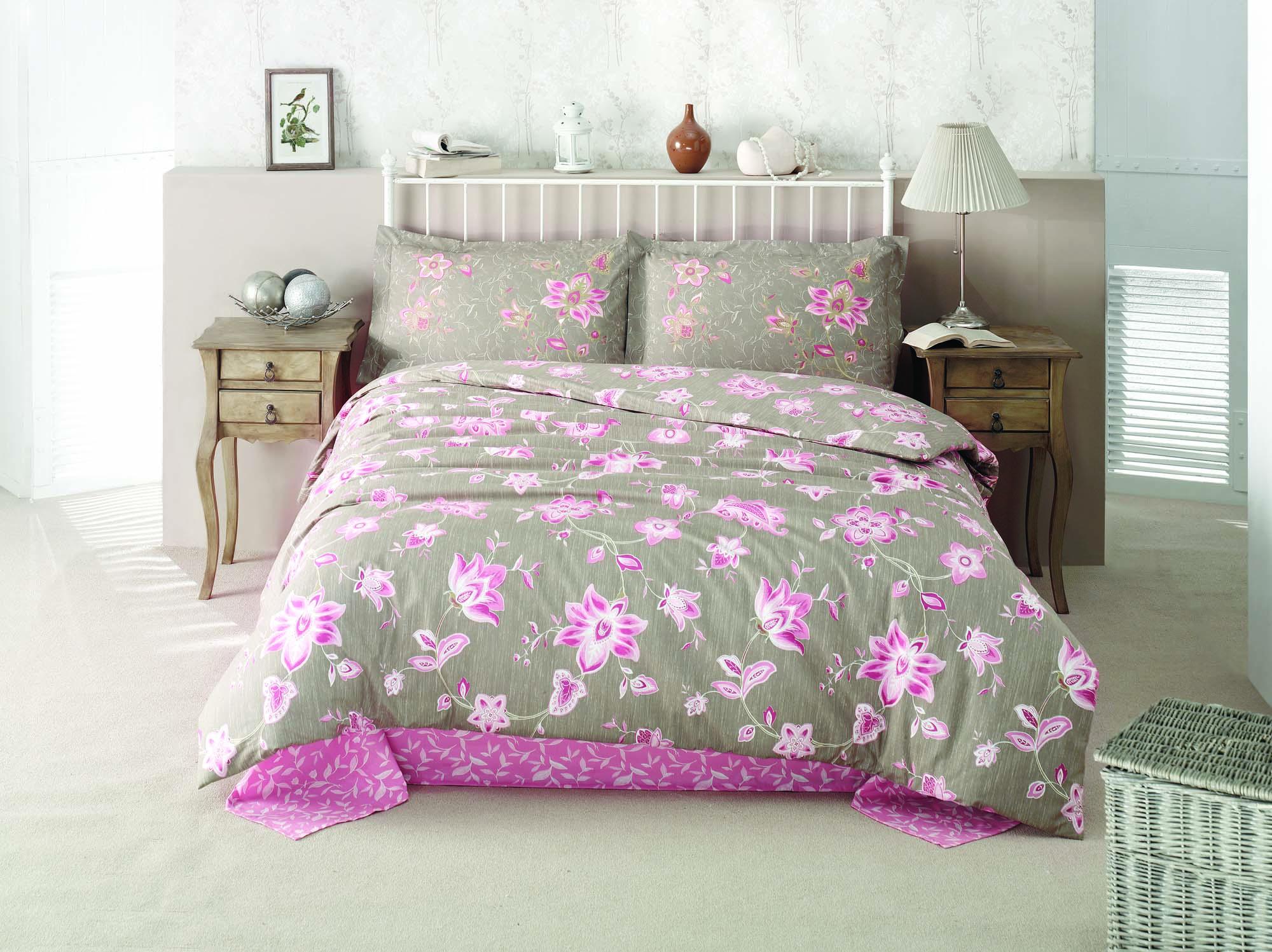 Комплект белья Clasy Belinay, евро, наволочки 50х70, цвет: розовый, серый391602Комплект постельного белья Clasy Belinay изготовлен в Турции из высококачественного ранфорса на одной из ведущих фабрик.Выбирая постельное белье Clasy Belinay вы будете приятно удивлены качественной выделкой ткани, красивыми и модными расцветками, а так же его отличным качеством. Все наволочки у комплектов Clasy Belinay имеют клапан без пуговиц и молнии. Пододеяльник с пуговицами.