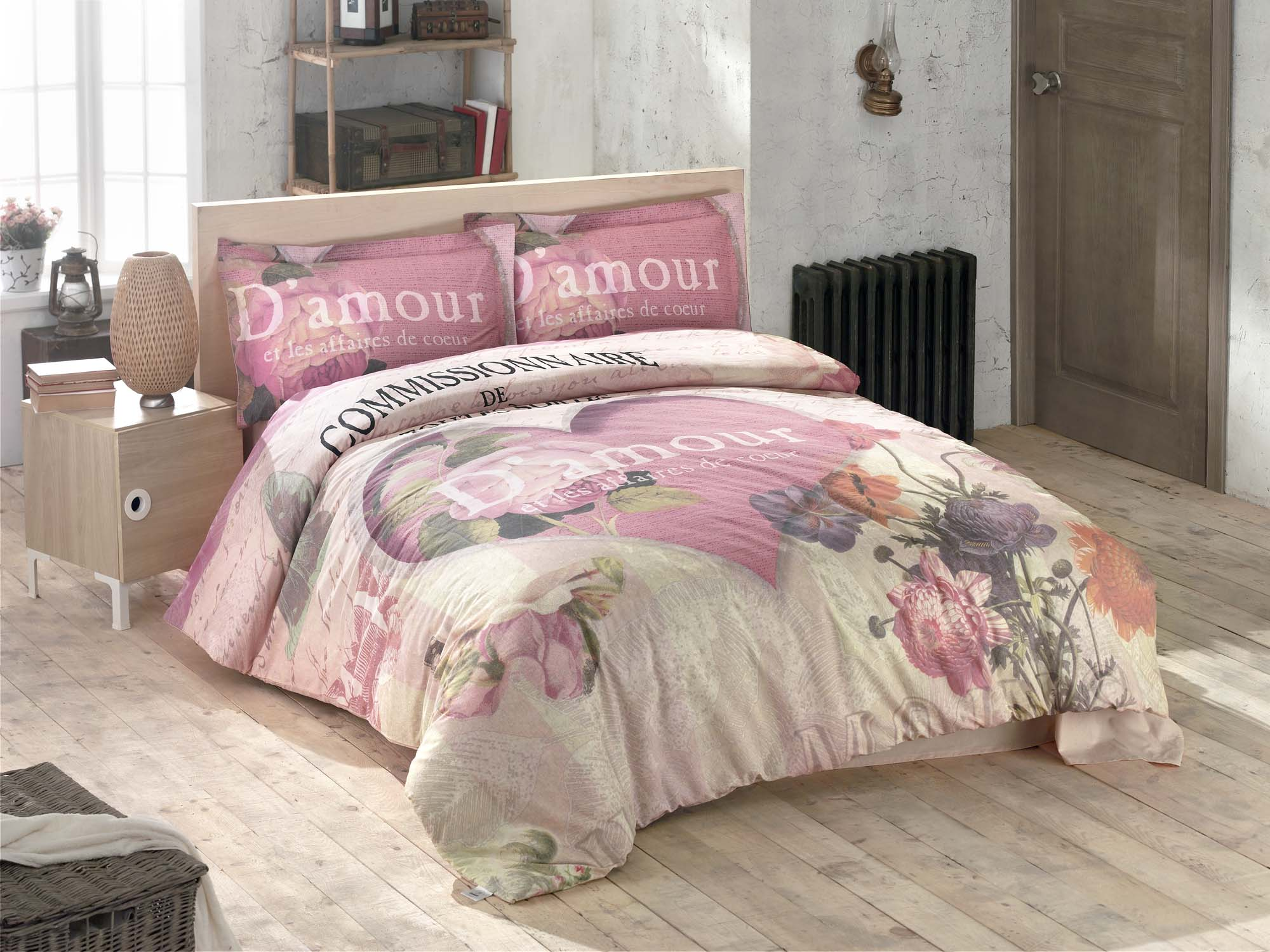 Комплект белья Clasy Romance, евро, наволочки 50х70, цвет: розовыйPANTERA SPX-2RSКомплект постельного белья Clasy Romance изготовлен в Турции из высококачественного ранфорса на одной из ведущих фабрик.Выбирая постельное белье Clasy Romance вы будете приятно удивлены качественной выделкой ткани, красивыми и модными расцветками, а так же его отличным качеством. Все наволочки у комплектов Clasy Romance имеют клапан без пуговиц и молнии. Пододеяльник с пуговицами.