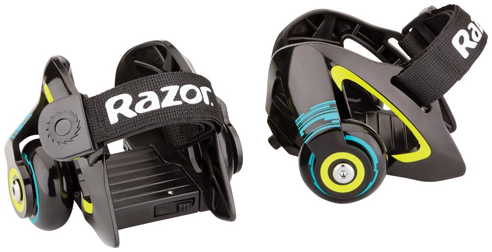 Ролики на обувь Razor Jetts, цвет: черный, зеленый140107Ролики Razor Jetts, выполненные из пластика и полиуретана, крепятся к ботинкам с помощью сверхпрочных регулируемых ремешков. Теперь можно с легкостью превратить любые кроссовки в ролики - нужно лишь хорошо затянуть ремни, обеспечив плотное прилегание к обуви. Отдельного внимания заслуживает тот факт, что ролики ролики Razor Jetts могут искрить, когда задняя часть платформы оказывается под прямым углом по отношению к поверхности дороги.Подходят под детскую обувь до 29 размера и взрослую обувь до 46 размера. Возрастные ограничения: от 6 лет.Рост: от 100 до 200 см.Максимальная нагрузка: 80 кг.Быстросъемный и заменяющийся искрящий элемент. Быстрые и плавные фирменные подшипники RZR.