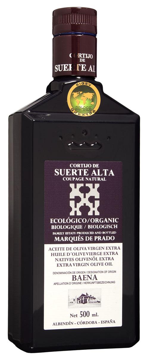 Suerte Alta Купаж оливковое масло Extra Virgin, 500 мл11194Суэртэ Альта Купаж - нерафинированное оливковое масло первого холодного отжима премиум класса кислотностью 0,2%, которая является лечебной по испанским законам. ЭКОЛОГИЧЕСКИЙ ФЕРМЕРСКИЙ ПРОДУКТ из нескольких сортов оливок раннего сбора урожая. Диетический продукт! ОРГАНИЧЕСКОЕ оливковое масло от семьи Мануэля Эредия Альскон, маркиза Прадо. Компания основана его дедом в 1924 году. С 1996 года компания официально занимается Органическим сельским хозяйством, о чем свидетельствует сертификат C.A.A.E. - Совета по органическому земледелию Андалусии, а также аналогичные сертификаты США, Японии и Европейского совета. Поместье находится недалеко от городка Баэна (провинция Кордоба) - официальной столицы оливкового масла Испании. Именно здесь ежегодно проходит праздник молодого оливкового масла