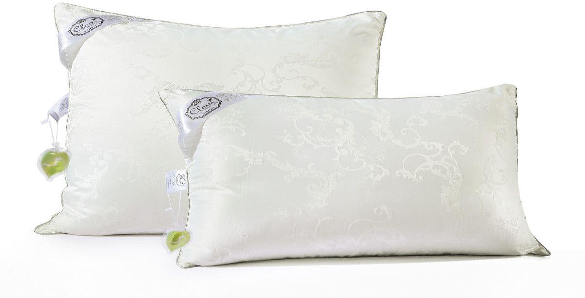 Подушка Cleo Silk Pillow, наполнитель: шелк, цвет: белый, 70 х 70 смES-414Подушки Cleo Silk Pillow – прикосновение к роскоши! Коллекция Cleo Silk – это сочетание наполнителя из 100% шелка и жаккардовым верхом с уникальной вышивкой.В древности только высшим сословиям было доступно приобретение шелка, т.к. производство шелковой нити было сложным и долгим. Благодаря инновационным технологиям производство шелка стало быстрее и не таким трудоемким. И теперь мы с вами можем прикоснуться к роскоши и неге императоров.Уникальность шелка - гипоаллергенность, в шелковом наполнителе не образуются микроорганизмы и насекомые, в процессе жизнедеятельности которых образуются аллергены. Также шелк препятствует накоплению пыли внутри, что не позволит завестись плесени, грибкам и клещам. Подушки и одеяла Cleo Silk легкие, прекрасно дышат и подарят вам несомненную легкость облаков. Сон – лекарство, и во сне человек должен максимально получать удовольствие, коллекция Cleo Silk – забота о вашем отдыхе.