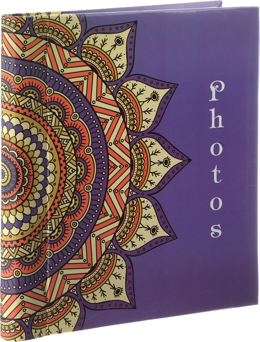Фотоальбом Platinum Орнамент, цвет: фиолетовый, 20 листов. 982112 фоторамок на карусели PF10186AФотоальбом Platinum Орнамент, изготовленный из ламинированного картона с клеевым покрытием и пленки ПВХ, поможет сохранить вам самые важные и счастливые события вашей жизни. Этот альбом станет драгоценной памятью для всей вашей семьи. Обложка выполнена из толстого картона и оформлена оригинальным рисунком. Внутри содержится 20 магнитных листов, которые крепятся с помощью спирали. Нам всегда так приятно вспоминать о самых счастливых моментах жизни, запечатленных на фотографиях. Размер листа: 23 х 28 см.