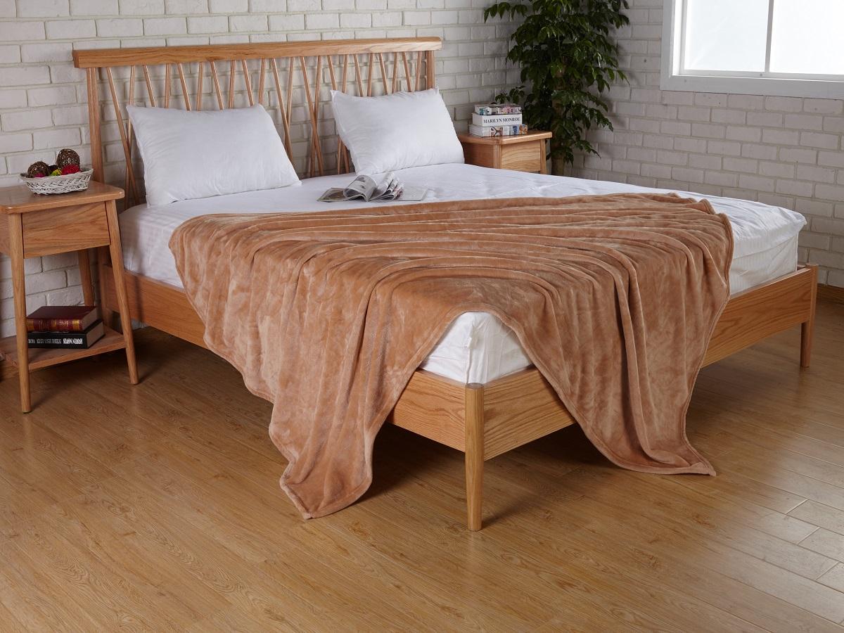 Плед Karna Elza, цвет: коричневый, 160 x 200 смS03301004Плед Karna Elza имеет очень легкий, нежный и оригинальным дизайн.Плед изготовлен из 100% полиэстера. Изделия из полиэстера не мнутся и легко стираются. После стирки очень быстро высыхают.Плед - это прекрасный подарок, который будет всегда актуален, особенно для ваших родных и близких.Размер: 160 х 200 см.